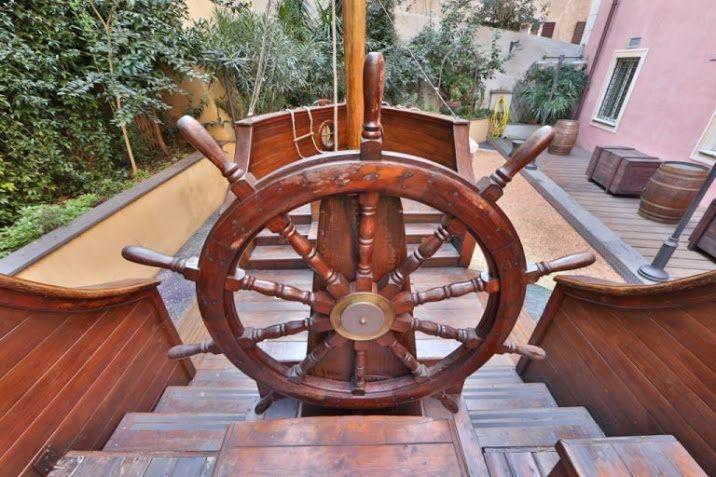 Nave dei pirati - Parco giochi all'interno del hotel Savoiaa Genova: 5 stelle con SPA!