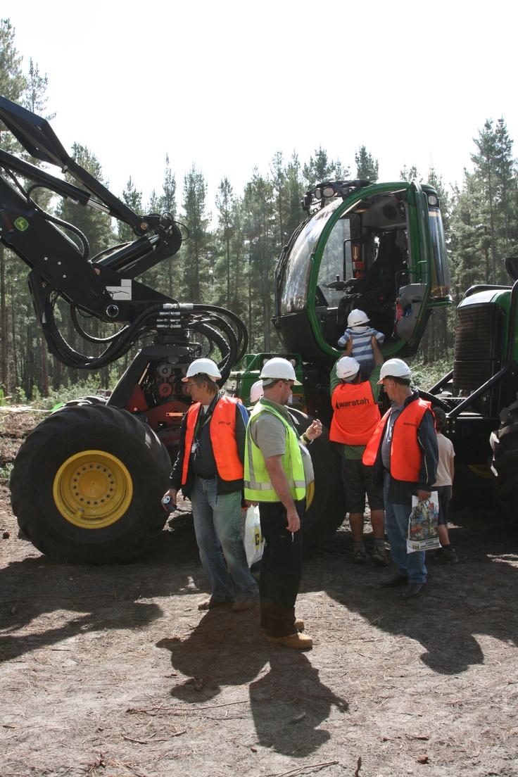 John Deere 1470E Wheeled Harvester | AUSTimber 2012 | Hitachi Construction Machinery Australia