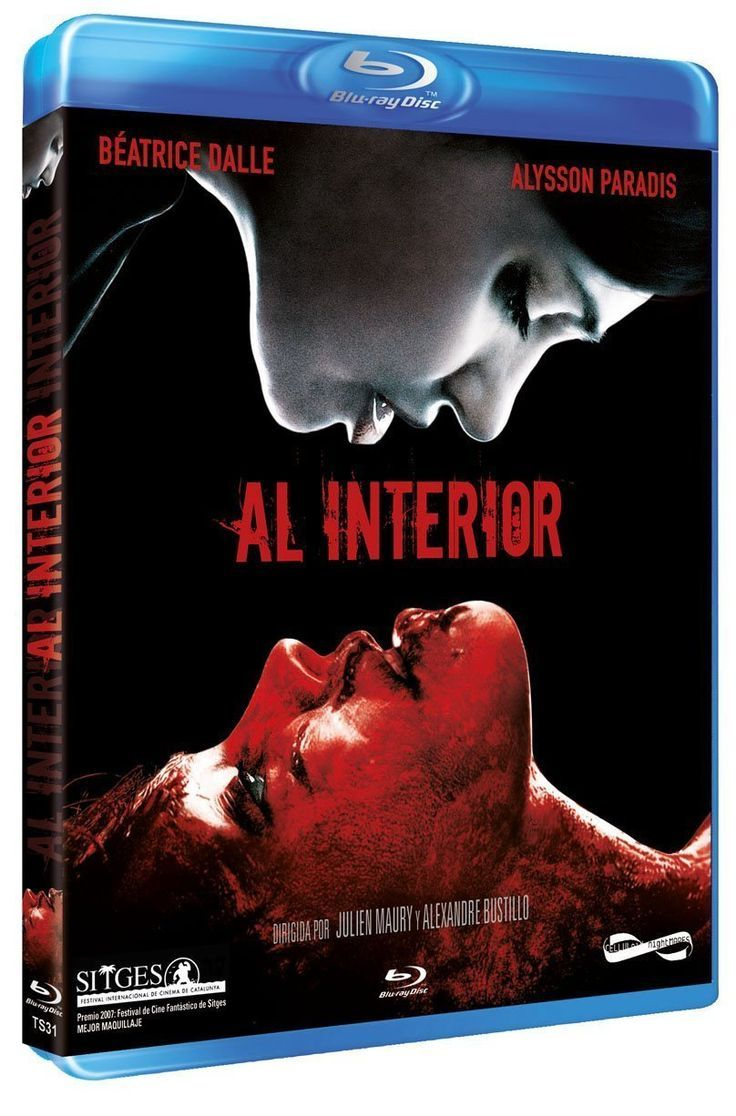 A l'intérieur / Al Interior / Inside. French horror movie with Béatrice Dalle and Alysson Paradis (Vanessa Paradis' sister). Directed by Alexandre Bustillo & Julien Maury. French horror film, bloody movies, French horror movies on Netflix, French horror stories, best french horror cinema