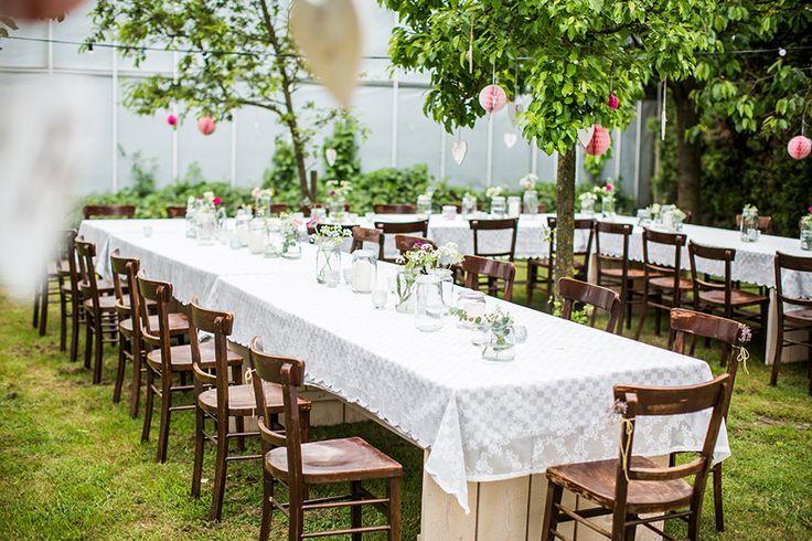 Tuin, tafel, buiten, diner, Bruiloft, het Roozenhuys, Haps, huwelijk, trouwen, bruidsfotografie