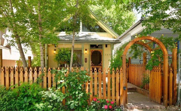This is a fully restored cottage that was originally built in 1898 in downtown Glenwood Springs, Colorado that offers about 550 sq. ft. (or 750 sq. ft. if you include the upstairs attic loft) of sp…