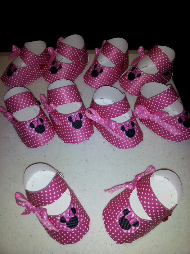 Minnie mouse baby shoes for decoration.