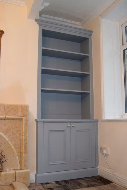 Traditional Alcove cabinets- snug room alcove by cabinet maker 'Gill Martinez' Manchester, England. #livingroom #alcove #homedecor #furniture #cabinet #alcovecabinet