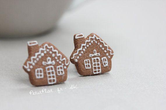 Clous/Puces dOreilles Maisons en Pain dEpices - Biscuits de Noël - Bijoux Gourmands  ======= = = =  ● Maison en Pain dEpices = 1,5 cm (5/8)  ●