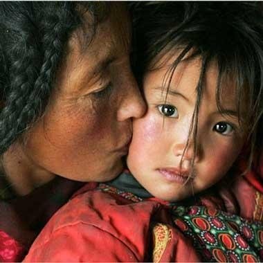 Mother and child. Tibet.