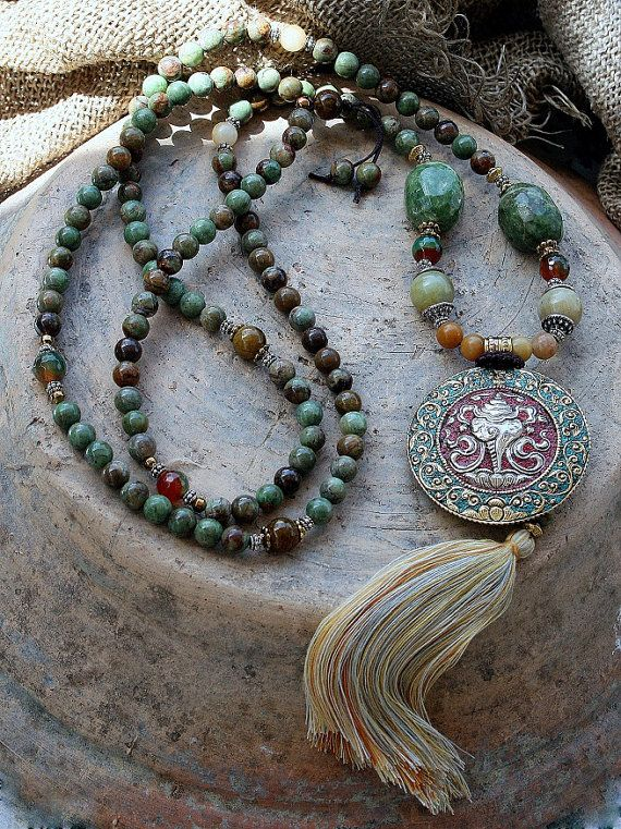 Beautiful green opal gemstone mala necklace por look4treasures