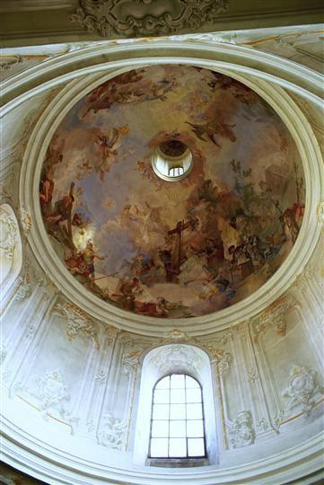 F. A. Maulbertsch (a Winterhalder ml.) Freska nalezení sv. Kříže Hradiště sv. Hypolita, Znojmo, 1766