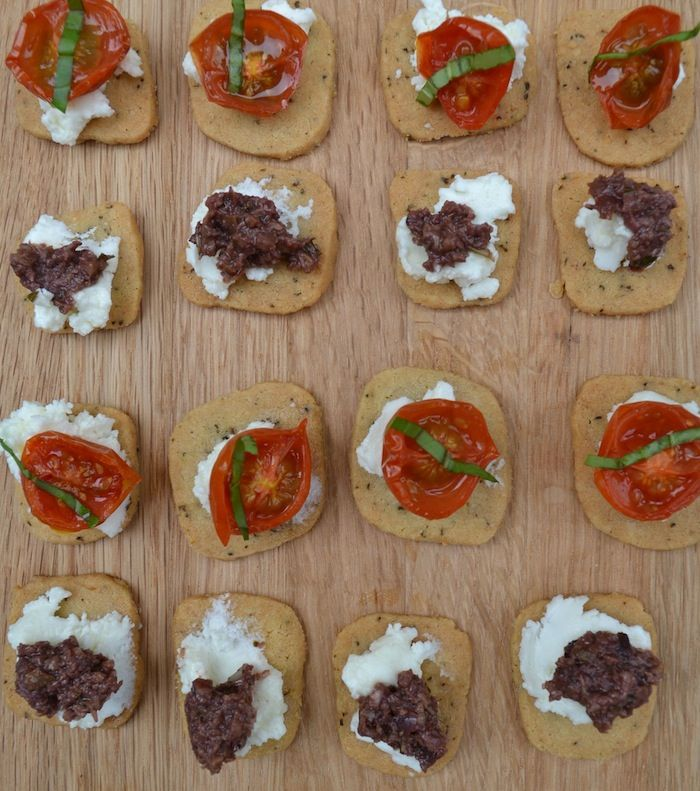 Buckwheat biscuits with olive and roasted mini tomatoes  #glutenfree #gfrecipes