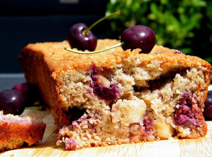 Heerlijk recept voor een bananenbrood met zomerfruit. Laat die zomer maar komen! - Tante Pollewop