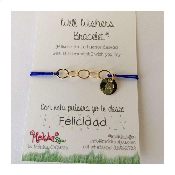 #WellWishersBracelets Nuevas pulseras de los Buenos Deseos. En color azul para desear #Felicidad #Joy. Puedes grabar una inicial o nombre corto en la medallita en la otra cara. Son ajustables, con cadena y bolas de goldfilled y medallita bañada en oro. (18$) #goodluck #mokka #pulseras #Felicidad #joy #bracelets #joyas #jewelry #panama #gifts #regalos #mujer #armparty well whishers