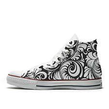 Converse AllStar scarpe personalizzate in stile black and white floreale