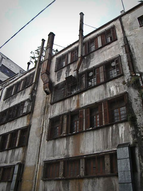 A fragile and abandoned facade