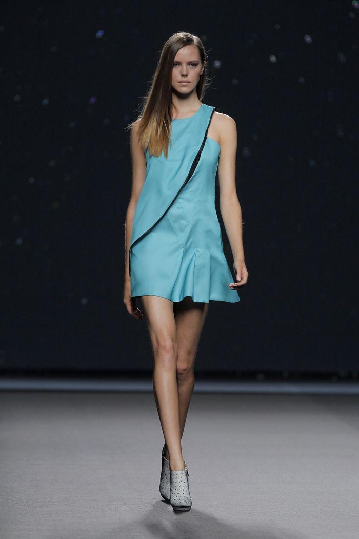 Amaya Arzuaga Fashion Week Paris 2015