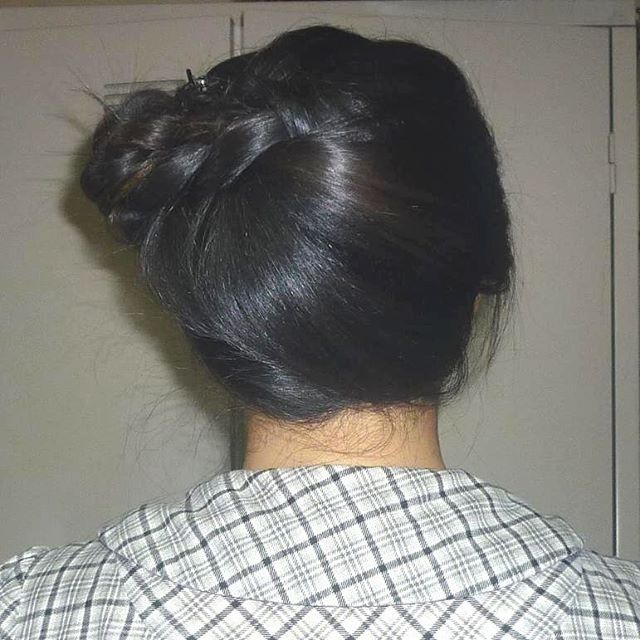 Top 100 side french braid photos 大学時代のこの定番の髪型懐かしい。 Missing university days. One of my default hairstyles.  #ヘアアレンジ #簡単ヘアアレンジ #ブレイド #simplehairstyle #university #lazyhairstyle #hairarrangement #hairstyling #braids #blackhair #黒髪 #女子大生 #defaulthairstyle #longhair #ロングヘア #updo #アップヘア #quickhairstyle #sidefrenchbraid #フレンチブレイド #中華系ハーフ #messyhair #simplehairdo #noheathairstyle #工学女子 #engineeringstudent #civilengineering #土木工学 #2013graduate #2013卒業生