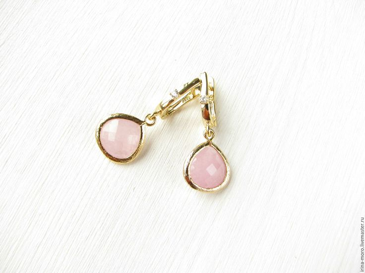 "Купить Серьги ""Розовые капли"" - серьги ручной работы, серьги с камнями, серьги с подвесками. Beautiful, original pink earrings ""Pink BLOB"" with cubic Zirconia and jade. Earrings are made of accessories luxury. #earring #jewelry #whiteearrings #goldearrings #dangleearrings #agate #longearrings #bridalearrings #oscarstyle #oscarearrings #luxuryjewelry #roseearrings #fashionjewelry #pearlearrings #earringdangle #statementearrings #etsy #handmade #серьги #розовыесерьги #красивыесерьги"
