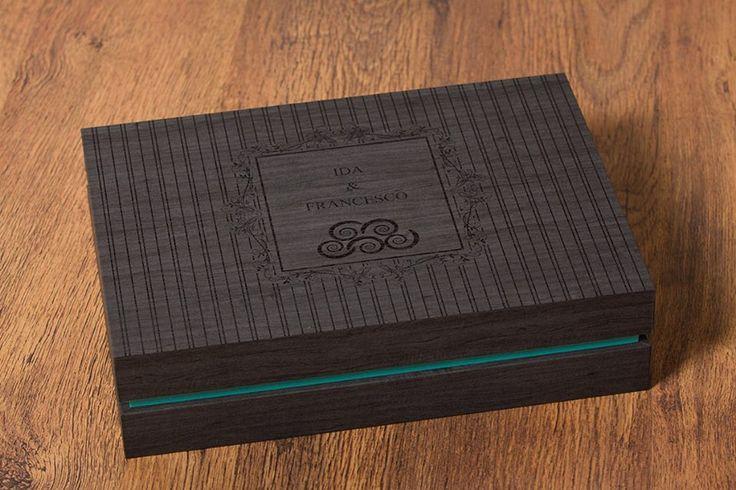 The Italian Photographer Gianfranco Duse chooses #antracitegrey maple for the externa part of the box and #tourquise maple for the inside of the box to create this design box. #graphistudio #weddingbook #boxdesign