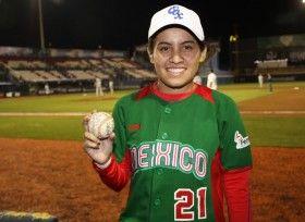 Reconocen logros de seleccionada Verónica González