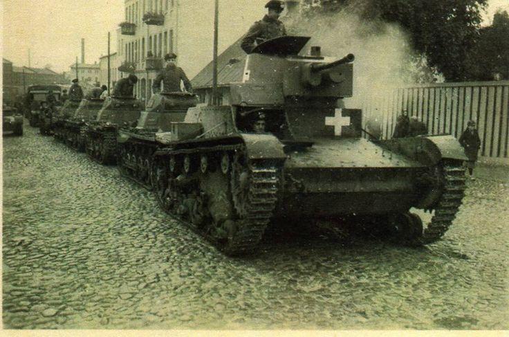 Zdobyty przez Niemców czołg 7TP na ulicy Tomaszowa Mazowieckiego koniec roku 1939. Właściciel zdjęcia: Wiesław Strzelecki Podesłał: Sławomir Klimowicz