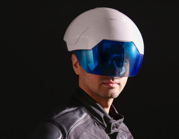 Forget the old yellow hard hats: construction workers are going to be more and more similar to Iron Man and Robocop. #hardhats #helmets #technology #augmentedreality #hyperreality #tech #daqri #safety #construction #workers