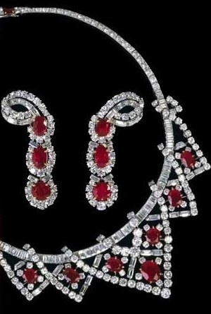 Liz taylors Diamond and Ruby earrings that match the necklace.