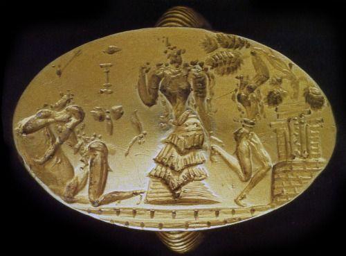 Anello-Sigillo;  XIV - XIII secolo a.C.; oro massiccio; Phourni, presso Archanes;  Museo Archeologico di Iraklion