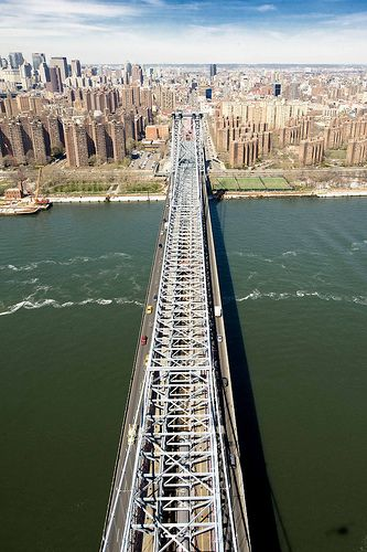 Over the Manhattan Bridge on the East River in Manhattan. photo by Keith Sherwood via flickr
