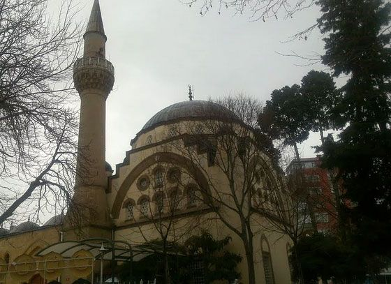 Bostanci Mosque