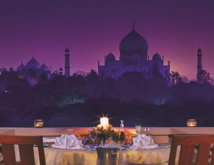 Cina romantica intr-un hotel deluxe in Luna de miere in India
