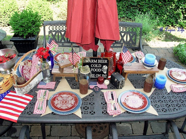 A Lapin Life: cut stars out of brown paper for inexpensive placemats for a patriotic table: Tablescapes Sets, Tablescapes 4Th, Holidays Ideas, July Tablescapes, 4Th Of July, 4Th July, Tablescapes T Sets, Entertainment Ideas, Tablescapest Sets