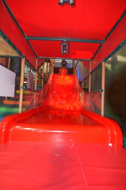 17 best images about indoor playground at the great escape for Indoor play slide