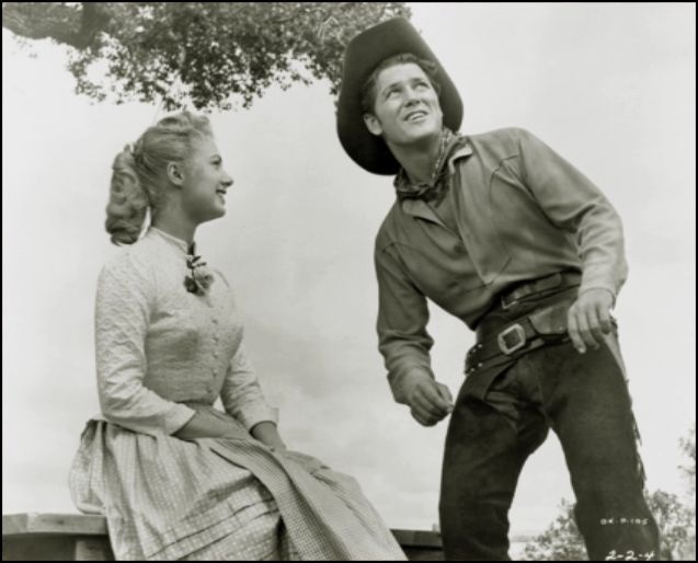 Shirley Jones & Gordon Macrae in Oklahoma.