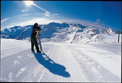 VALLNORD  Estación de esquí alpino del Principado de Andorra. Concretamente se encuentra en las parroquias de la Massana y Ordino. El actual dominio esquiable es el resultado de la fusión comercial de les antiguas estaciones de esquí de Pal-Arinsal Mountain Park y Ordino-Arcalís (2004-2005). Vallnord dispone de 1.149 hectáreas con capacidad para 48.210 personas/hora, en un total de 89 km repartidos en 66 pistas. Pal-Arinsal tiene un total de 60 km de pistas y  Ordino-Arcalis un total de 26…
