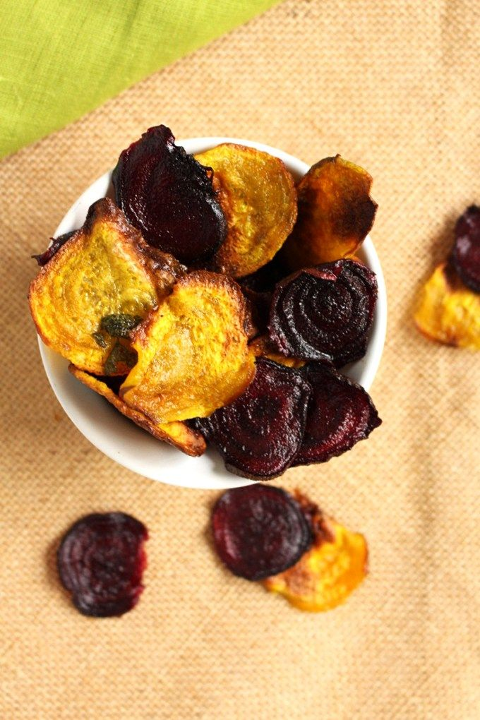 Beet Chips - You can make them in under 30 minutes and they are loaded with benefits, not to mention they are totally vegan ! -IdrissTwist.com