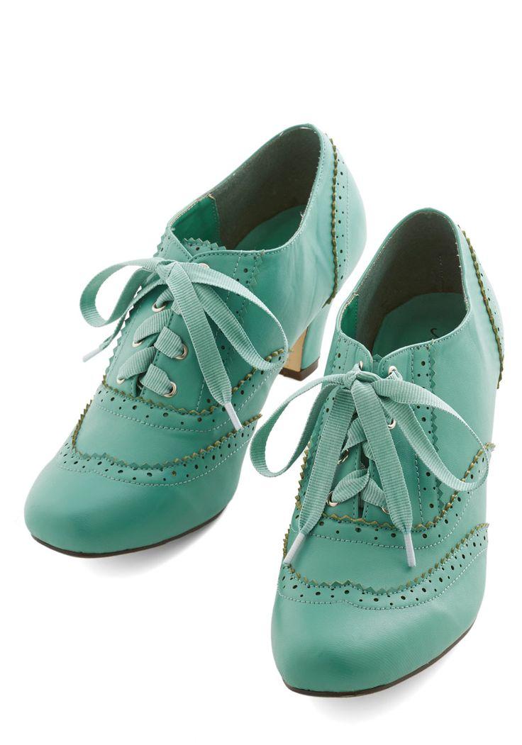 Dance Instead of Walking Heel in Mint