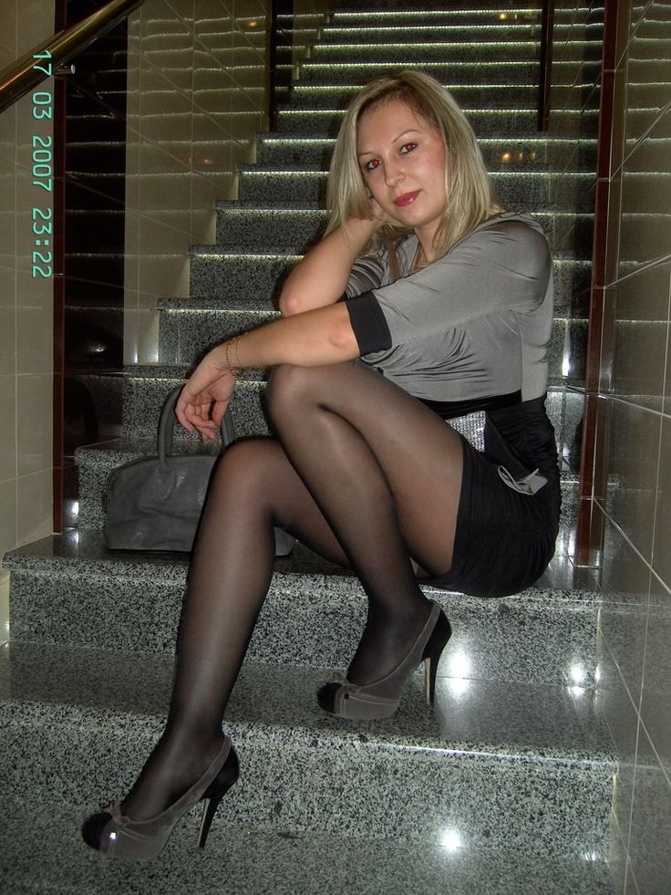Nice ass mature women in heels and pantyhose Shes keeper!