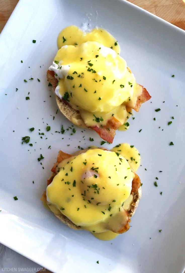 Eggs benedict recipe made with bacon!