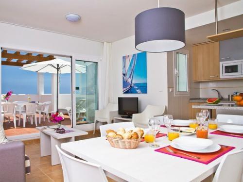 Salón y Cocina en uno de los #apartamentos del Pierre & Vacances Mojacar Playa.