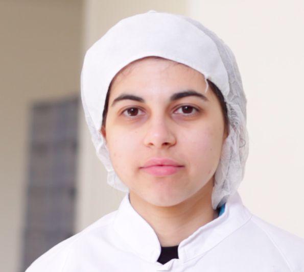 Marianna: settore centro affettamento. Mi occupo del confezionamento delle vaschette, del taglio e del controllo qualità. Hobby/passioni: le moto e gli animali.