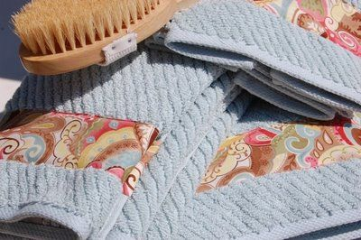 tutorial showing how to add fabric trim to bath towels