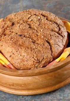 Kokosmilch-Nuss-Brot - Brot backen: 4 leckere Rezepte - Zutaten für 1 Brot: 180 g Kokosmilch 400 g Weizen- oder Dinkelvollkornmehl 60 g verschiedene Nüsse, z. B. Pinienkerne, Cashewkerne, Pecannüsse oder Paranüsse...