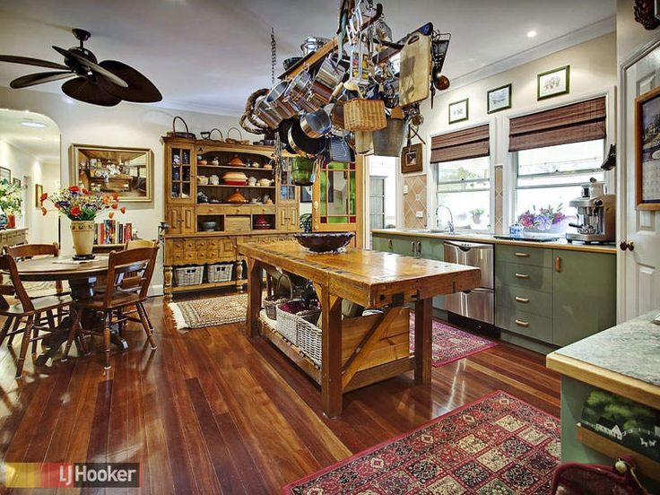 More of that kitchen - great sideboard at the back