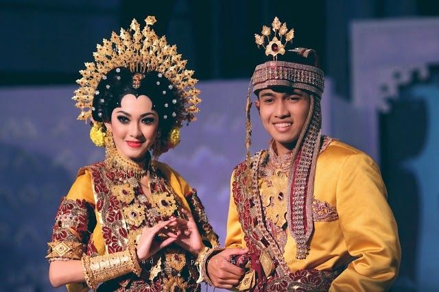 INDONESIAN WEDDING DRESS - Bugis people, Sulawesi