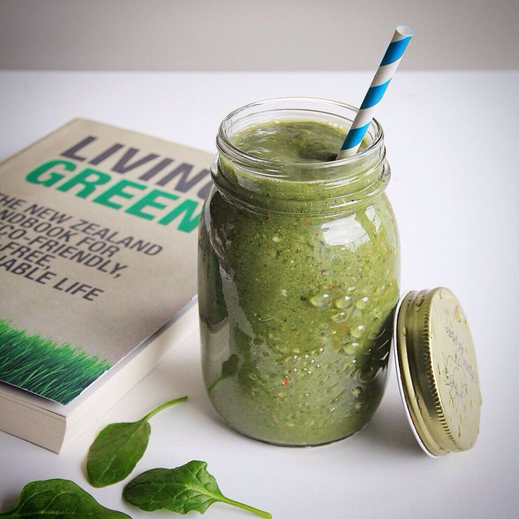 Healthy Green Smoothie #superfood #smoothie #livinggreen #healthylifestyle