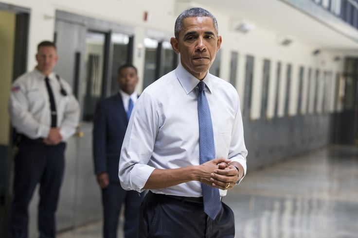 """""""Coalition of advocates urges Obama to expand clemency initiative"""" in The Washington Post, November 29, 2016."""