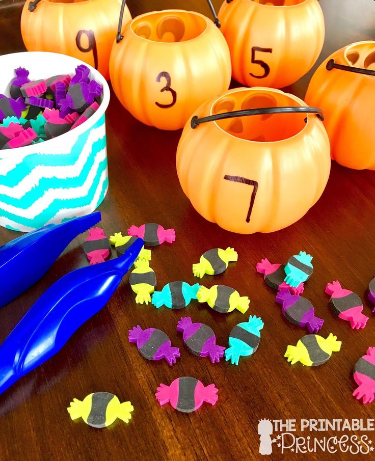 Halloween Activities for Kindergarten {with FREEBIES!}