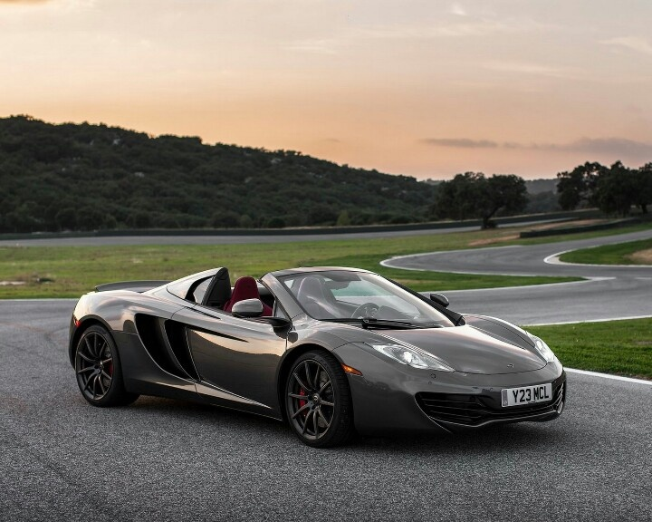 Attractive 2013 McLaren Spider, Faster Than You Think: Motoramic Drives Great Pictures