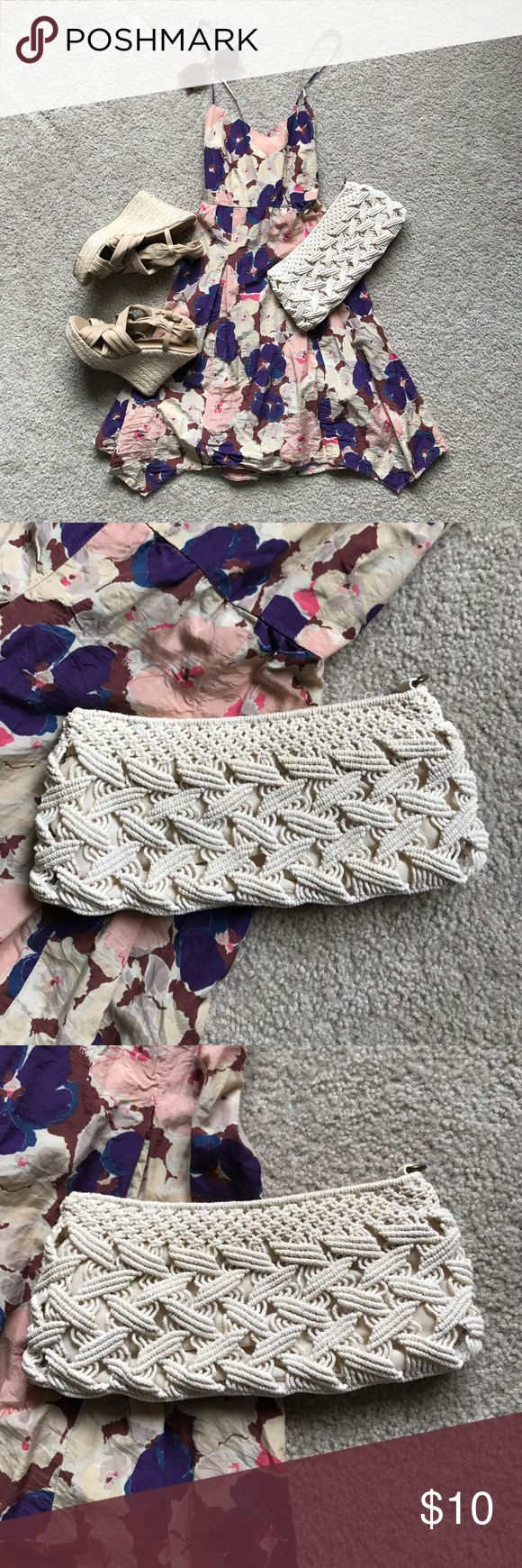 Kimchi Blue Woven Clutch, Cream Gently used Kimchi Blue soft-body clutch, no wristlet strap included. May have some discoloration and wear, but nothing noticeable. Perfect handbag for a casual night out, pair with a sun dress and neutral wedges! Kimchi Blue Bags Clutches & Wristlets