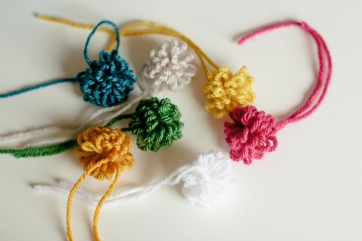 a bit of sunshine: how to make a loopy fork pom pom
