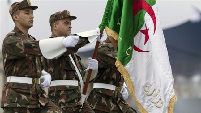 Maghreb Intelligence Revele Un Complot Des Etats Unis Destine A Pakistaniser L Algerie Academic Dress Fashion Dresses