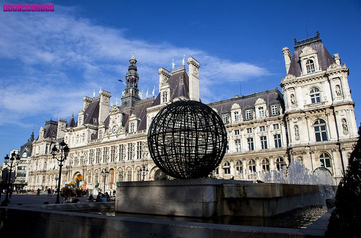 Hotel de Ville, onde hoje fica a prefeitura de Paris.  Veja nosso roteiro completo de 6 dias em Paris. Mostramos as principais atrações, onde ir, o que comer e dicas para economizar!